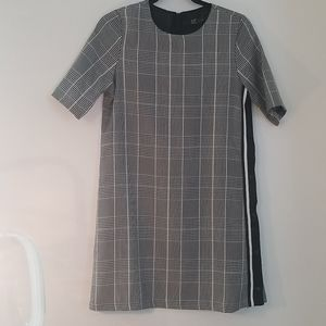 NWT Zara houndstooth shift dress with side snaps